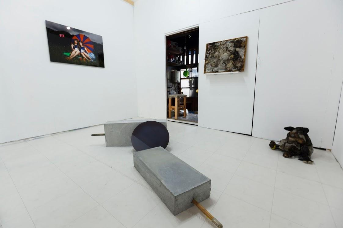 FABULOUZ, Installation view