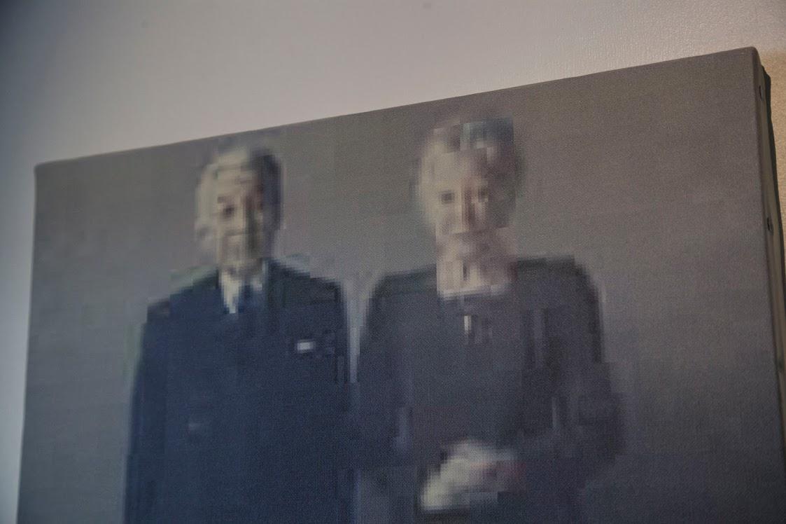 《【明】平成天皇皇后両陛下肖像画【暗】》detail, 中島晴矢, Injet print on Canvas, 455×380 mm, 2018
