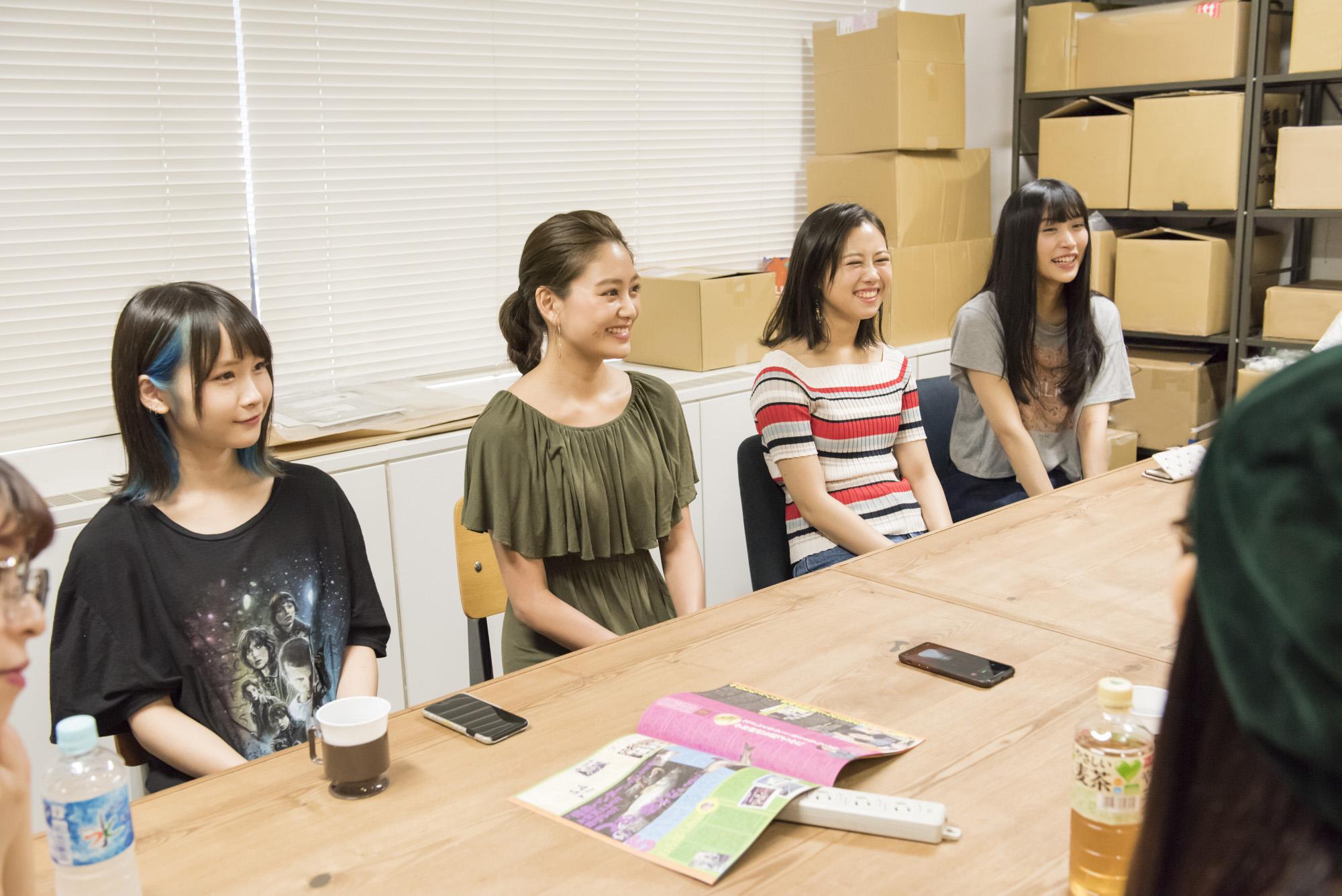 INTERVIEW 024 望月みゆ&恋汐りんご&大桃子サンライズさん 写真2