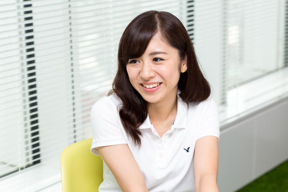 INTERVIEW FILE 002 ジェーン・スー 写真1