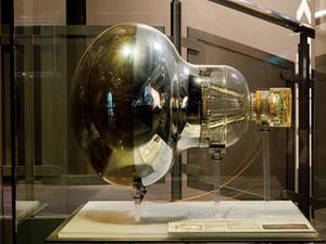 日本科学未来館の人気展示が集結 特別企画展『世界のはじまりをさぐる』