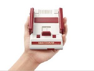マリオ、ギャラガ、魔界村ほか30本収録 小型ファミコン11月発売