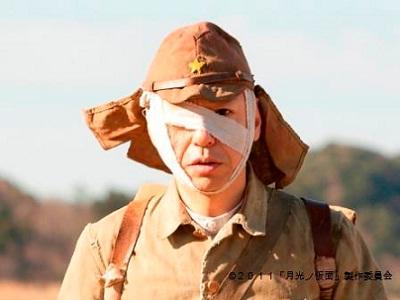 板尾創路監督・主演の映画『月光ノ仮面』は古典落語がモチーフ